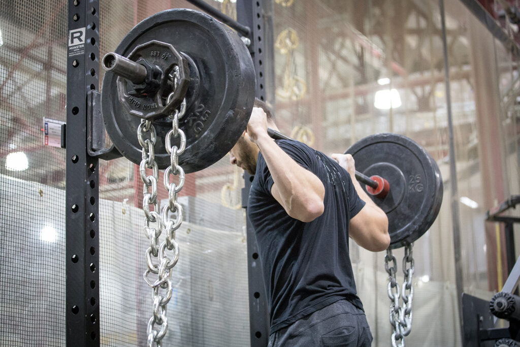 back squat with chains