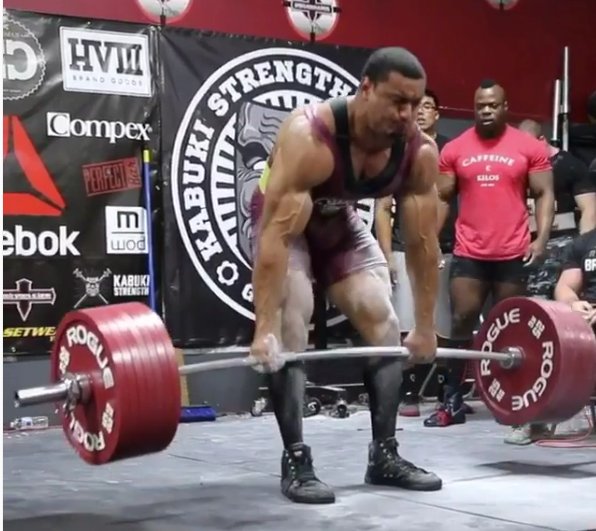 Watch Larry Williams Crush the Powerlifting Total Record at 242