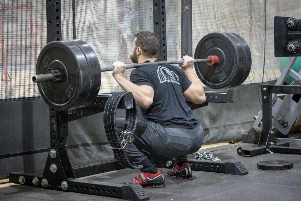 「squat high bar」の画像検索結果