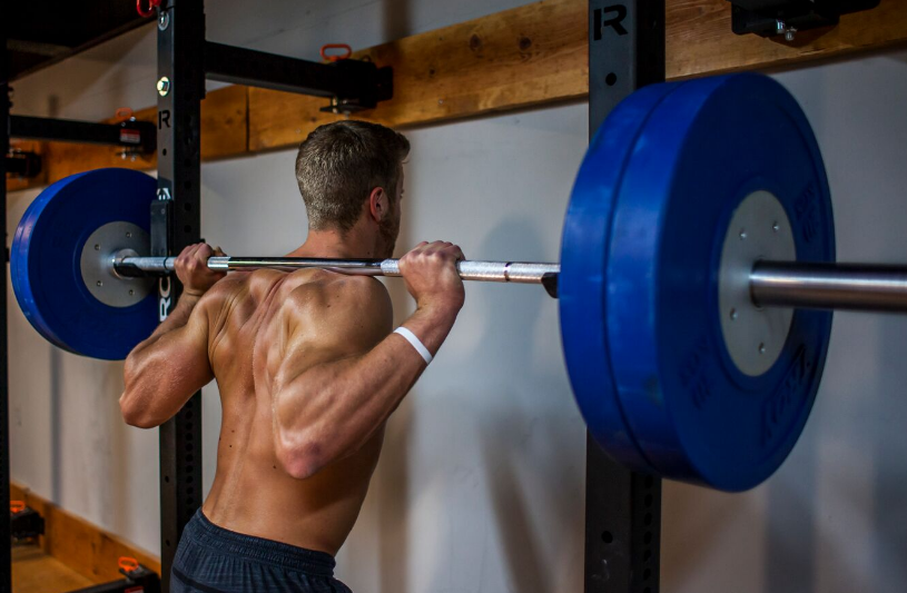 b8d25e07783785 High-Bar Versus Low-Bar Squats  Their Differences and When to Use Them
