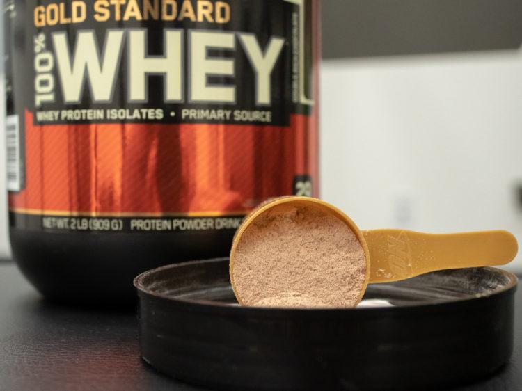 optimum nutrition gold standard scoop