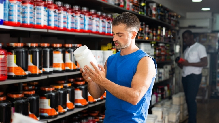 Man buying bcaas