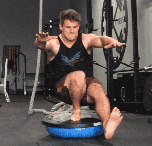 Are Pistol Squats Bad for Your Knees? - BarBend