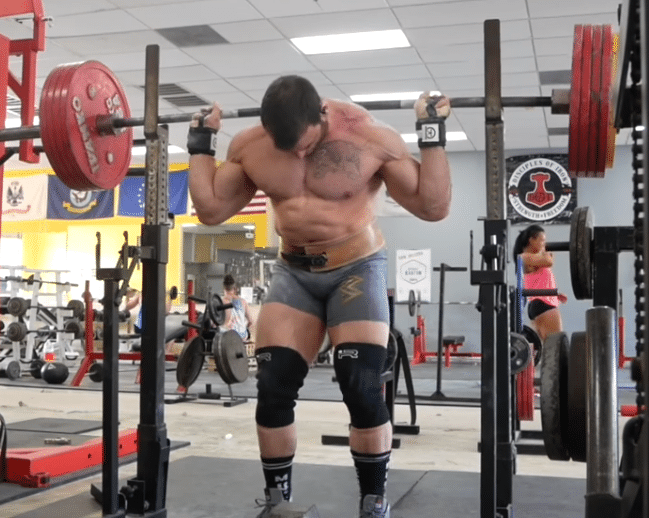 032dc3cf1d3cc4 Why You Should Use Both Low and High-Bar Squats In Your Training - BarBend