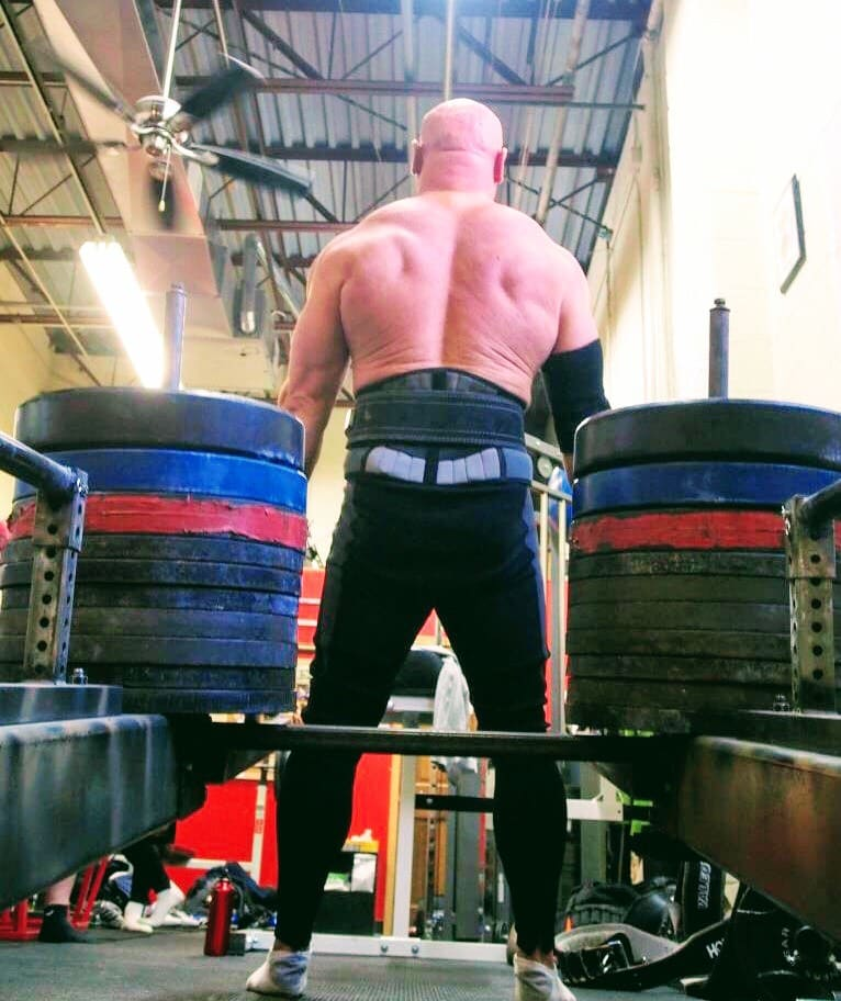 Strongest Bench Press: How Smart Strongman Athletes Maximize The Offseason
