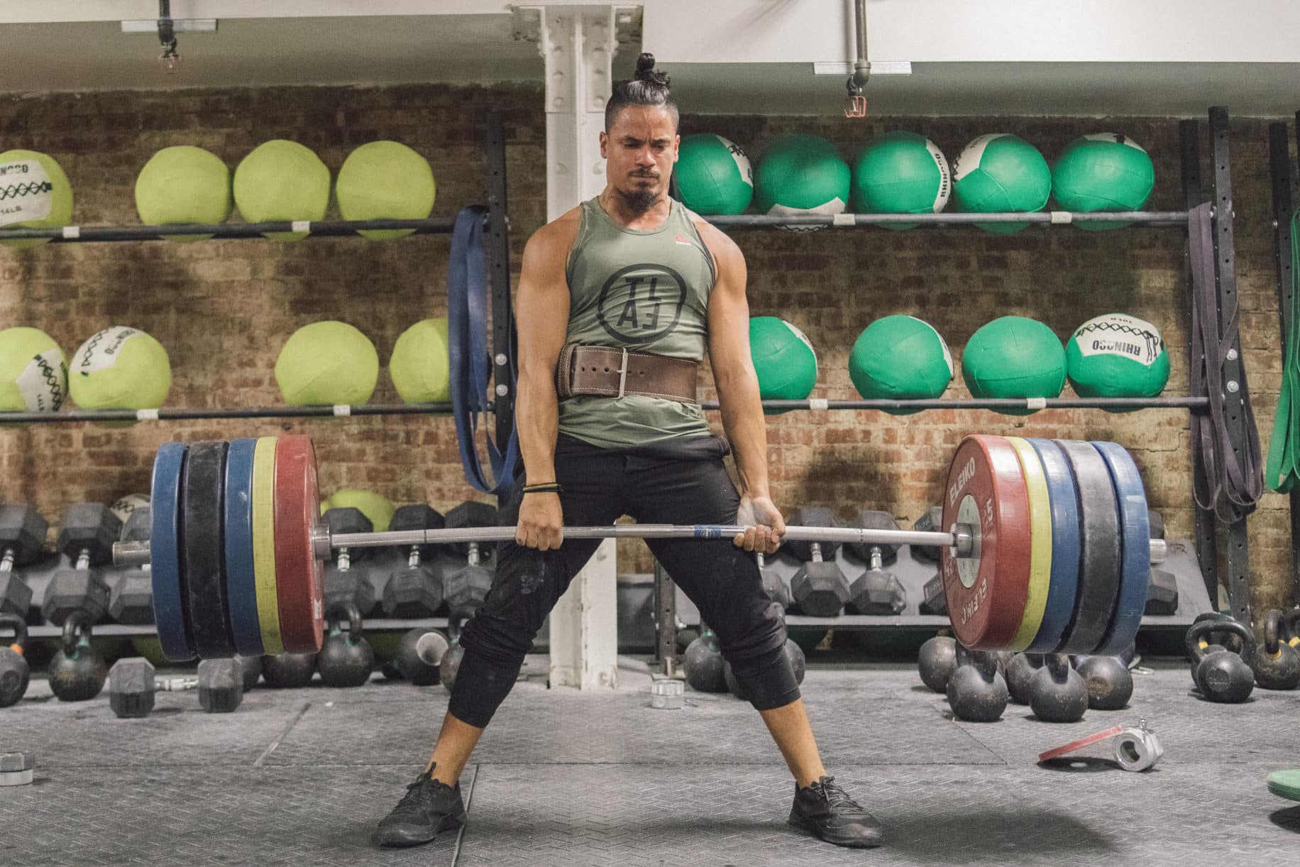 Hypertrophy Training Sets and Reps - BarBend