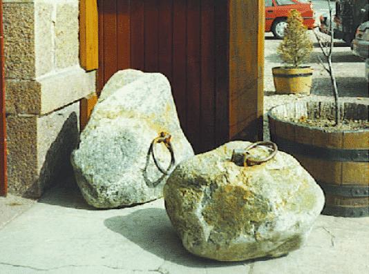 Dinnie Stones
