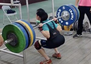 Powerlifter Chen Wei-Ling Squats 185kg