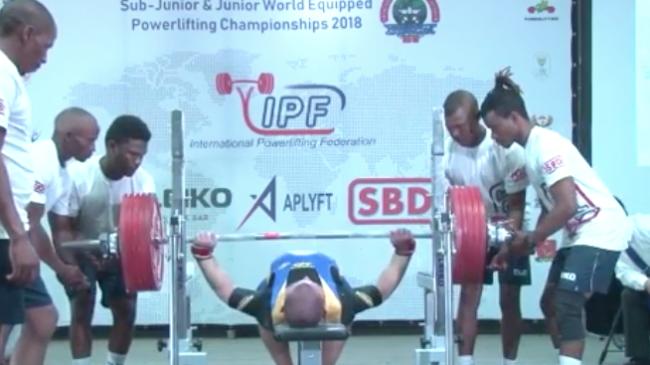 Kostiantyn Musiienko bench press