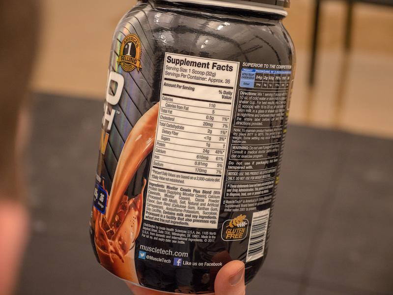 MuscleTech Nitro Tech Casein Gold nutrition hand