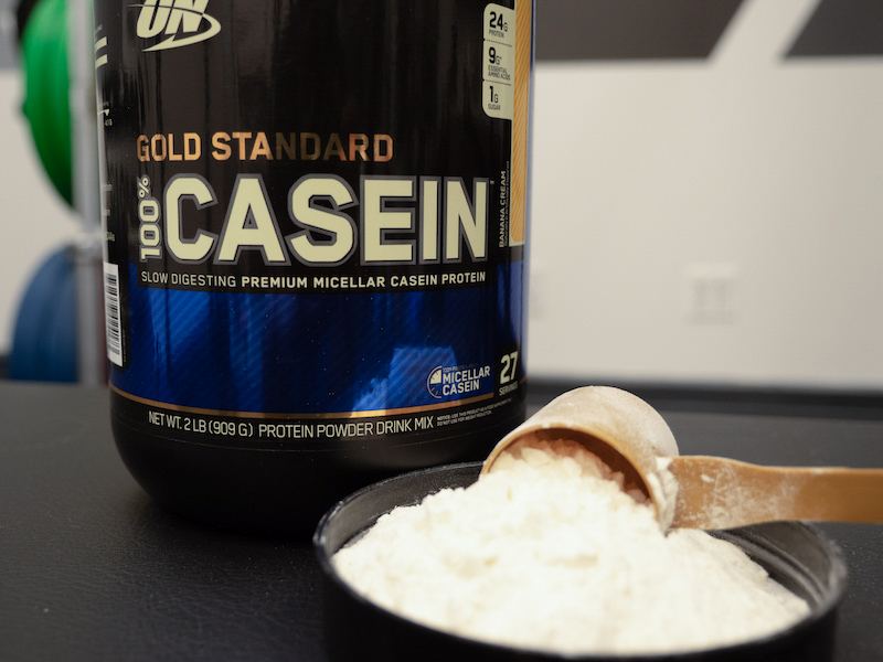 Optimum Nutrition Casein with scoop