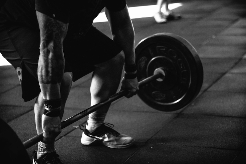 deadlift black and white