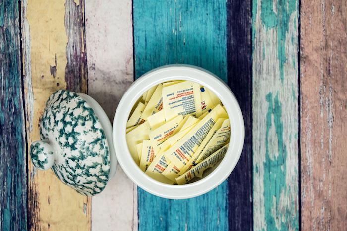 artificial sweeteners jar