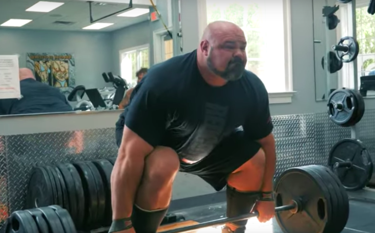 Brian Shaw completes speed deadlifts