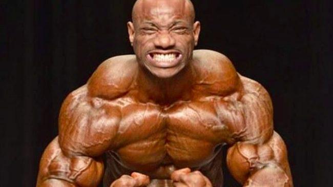 Dexter Jackson poses