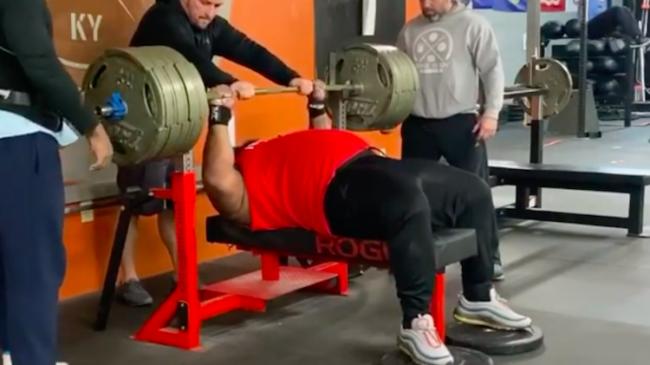 Julius Maddox Bench Presses 765 Pounds