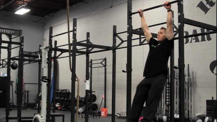 Kipping Pull-Up Step 1