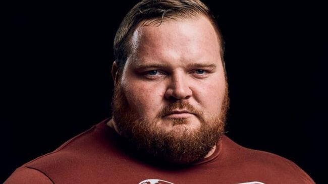 Strongman Chris van der Linde