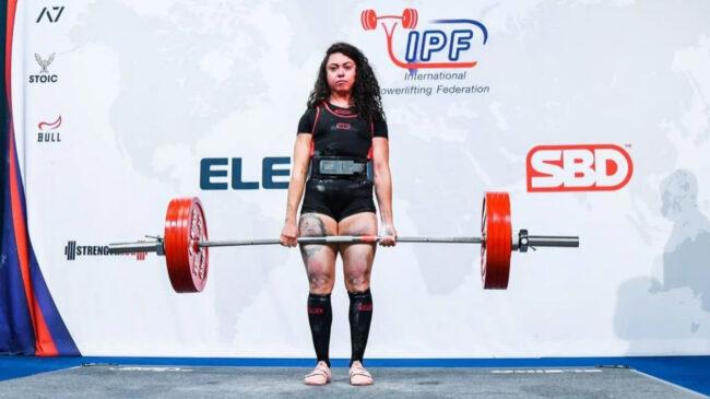 Powerlifter Lya Bavoil